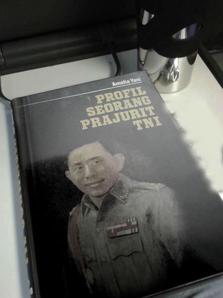 Cover Buku Profil TNI